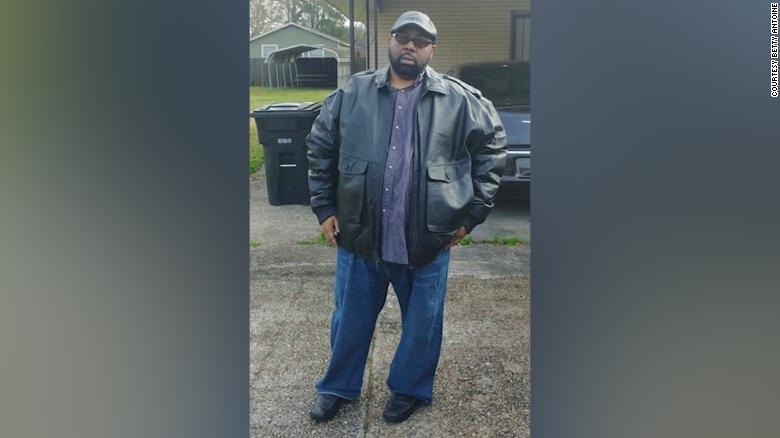 One of the & # xfa; latest images of Brandon Haynes that uploaded & # xf3;  to his social networks before dying from Covid-19 at the age of 46 years.  (Image seen on CNN.com).