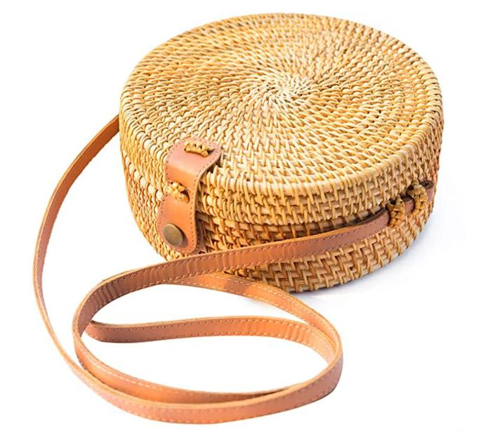 """""""I have a woven crossbody that I love to use in the summer, but it&rsquo;s a little small and doesn&rsquo;t have a way to secure my things. I love that <a href=""""https://amzn.to/2Np84te"""" rel=""""nofollow noopener"""" target=""""_blank"""" data-ylk=""""slk:this"""" class=""""link rapid-noclick-resp"""">this</a> expands and a secures shut."""" <strong>- Gonzalez<br><br></strong><a href=""""https://amzn.to/2Np84te"""" rel=""""nofollow noopener"""" target=""""_blank"""" data-ylk=""""slk:Originally $46, find it on sale for $28"""" class=""""link rapid-noclick-resp"""">Originally $46, find it on sale for $28</a>."""