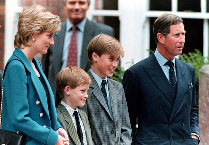 (L-R): Diana, Princess of Wales, Prince Harry, Prince William and Prince Charles. (Photo: Getty Images)