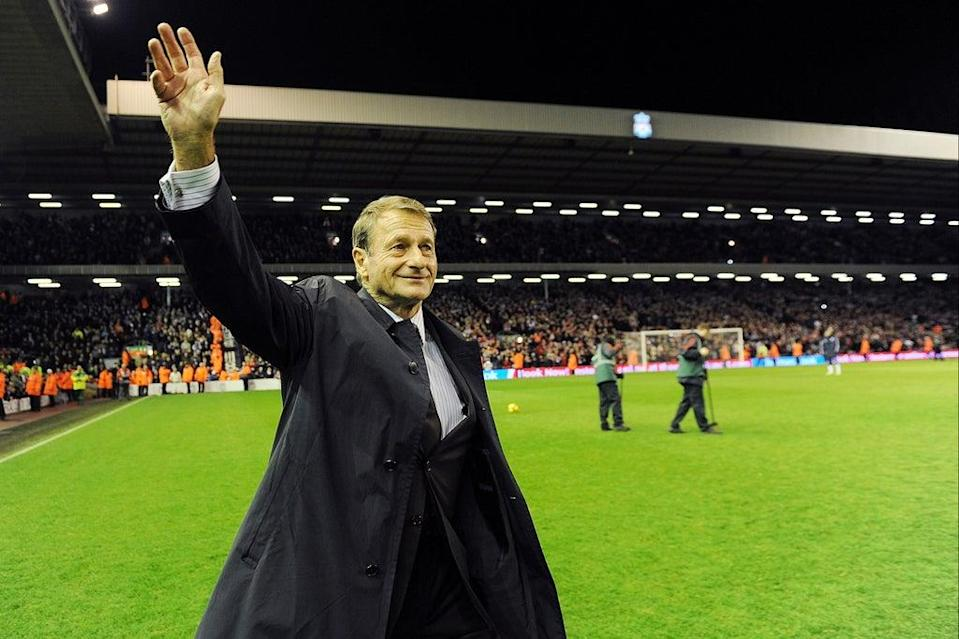 Roger Hunt greets the Anfield crowd on a visit in 2009 (Liverpool FC via Getty Images)