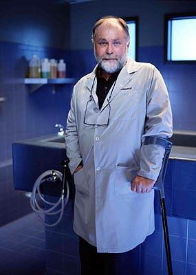 "Robert David Hall as Al Robbins CBS' ""CSI: Crime Scene Investigation"" <a href=""/baselineshow/4663366"">CSI: Crime Scene Investigation</a>"
