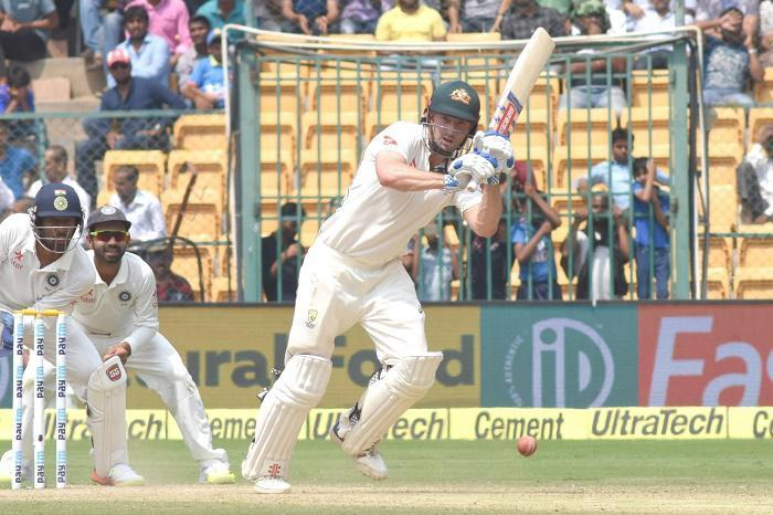 2nd Test: Renshaw, Marsh boost Australia