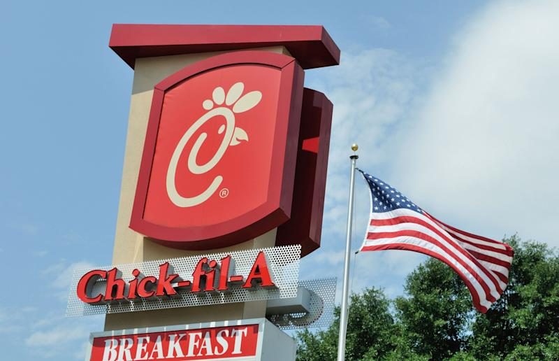 Man Allegedly Uses Stolen Credit Cards to Buy $9K in Chick-fil-A Gift Cards