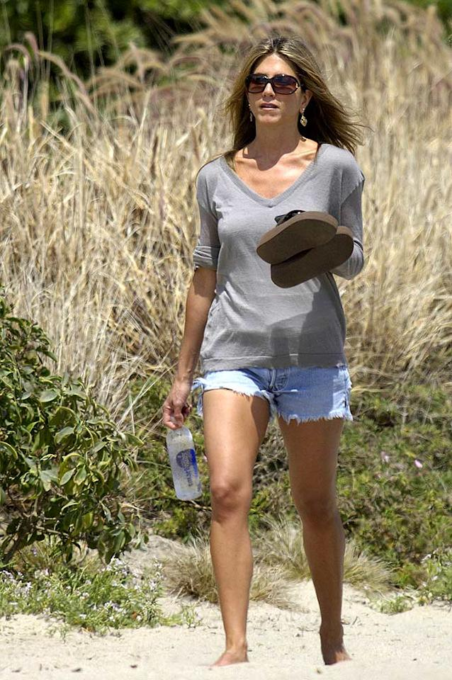 """Even though Jennifer Aniston parted ways with Brad Pitt over three years ago, she's still considered unlucky in love. Perhaps her recent romance with John Mayer will lead the former """"Friend"""" down the aisle for a second time? Unfortunately, the chances are slim based on the number of leading ladies John has left in the dust. <a href=""""http://www.splashnewsonline.com"""" target=""""new"""">Splash News</a> - May 28, 2007"""