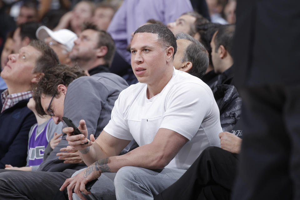 Mike Bibby will no longer serve as Shadow Mountain's coach. (Photo by Rocky Widner/NBAE via Getty Images)