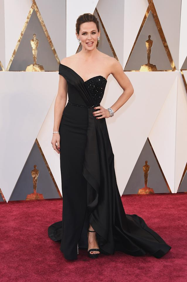 <p>The always gorgeous Jennifer Garner walked the red carpet in a black dress that was anything but ordinary. Take that, Ben Affleck. <i>(Photo by Jason Merritt/Getty Images)</i></p>