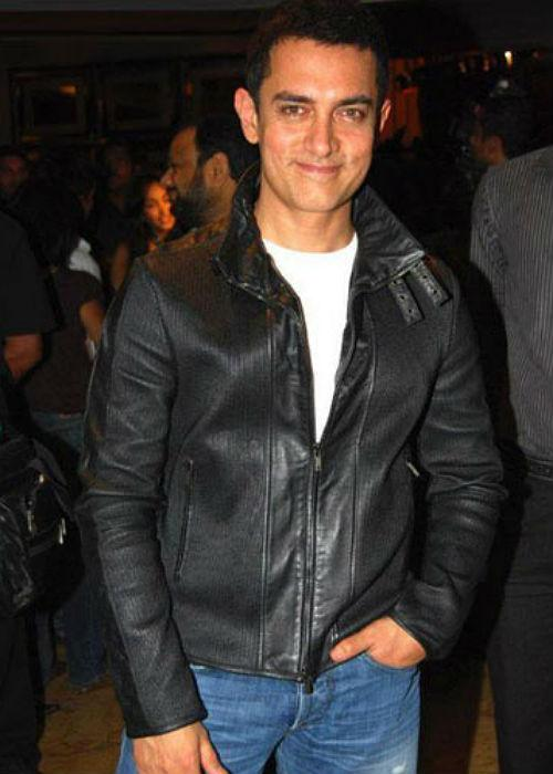 "<b>3. Aamir Khan<br><br></b>Another 40+ actor is <a href=""http://www.mensxp.com/entertainment/bollywood/3688-aamir-khans-different-looks.html"">Aamir Khan, or Mr. Perfectionist</a>.  Aamir is unanimously accepted to be the finest actor that Bollywood has  today. Every project that he touches turns into gold which asserts  Aamir's supremacy over others in the industry. He is extremely choosy  when it comes to work and makes his dislike for ""biased"" award shows  known to all. More than anything else, it is truly his work that makes  him stand a class apart and above his fellow actors."