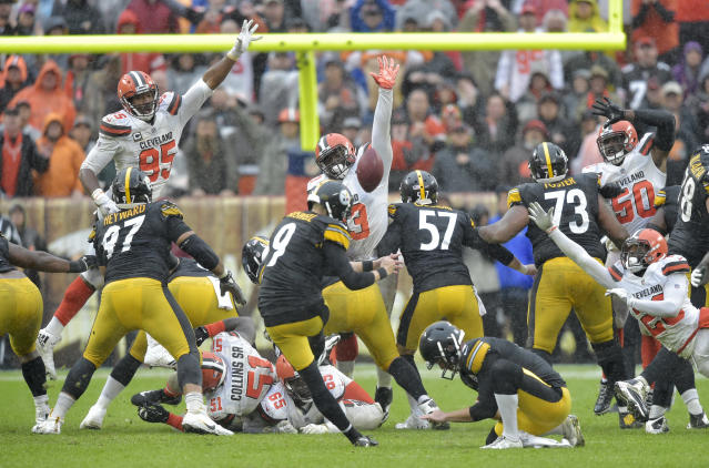 Pittsburgh Steelers kicker Chris Boswell (9) misses a field goal during overtime in an NFL football game against the Cleveland Browns, Sunday, Sept. 9, 2018, in Cleveland. The Browns and the Steelers tied at 21-21. (AP Photo/David Richard)