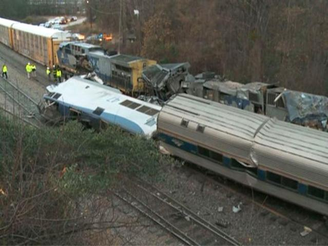 <p>In this image from video, train cars are smashed and derailed, Feb. 4, 2018 near Cayce. S.C. (Photo: WLTX TV via AP) </p>