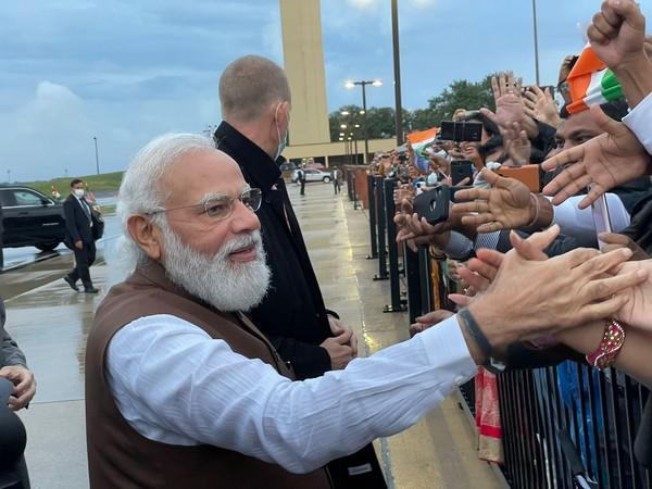 Prime Minister Narendra Modi interacting with Indian Americans