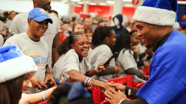 "<a class=""link rapid-noclick-resp"" href=""/nba/players/4390/"" data-ylk=""slk:Russell Westbrook"">Russell Westbrook</a> and the Thunder helped make the holidays brighter for Oklahoma City families on Monday. (Twitter/@okcthunder)"