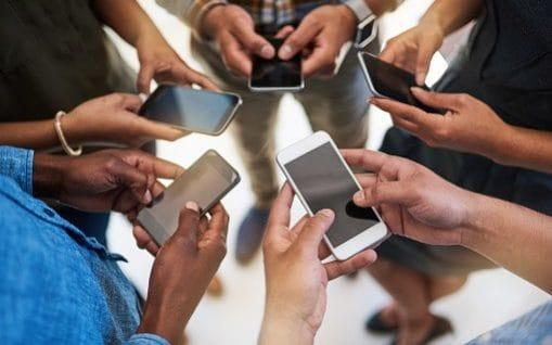 Are you addicted to your phone? - E+