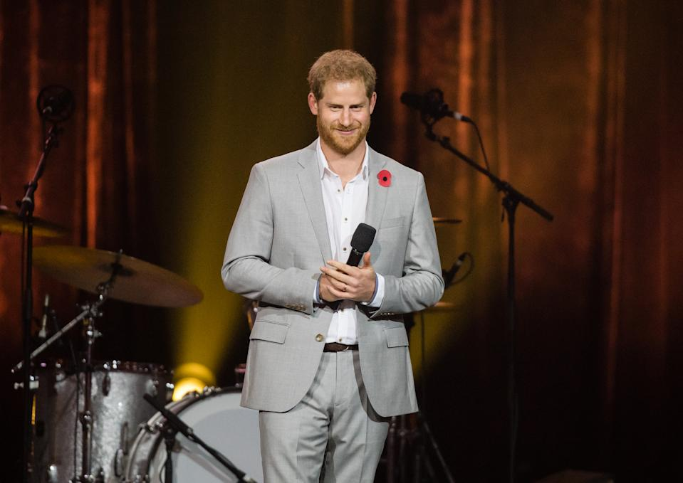 SYDNEY, AUSTRALIA - OCTOBER 27:  Prince Harry, Duke of Sussex gives a speech at the closing ceremony of the Invictus Games on October 27, 2018 in Sydney, Australia. The Duke and Duchess of Sussex are on their official 16-day Autumn tour visiting cities in Australia, Fiji, Tonga and New Zealand.  (Photo by Samir Hussein/Samir Hussein/WireImage)