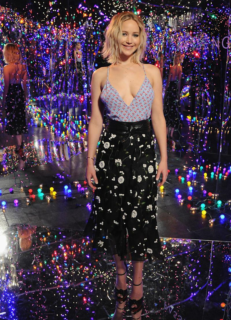 """Jennifer Lawrence poses at the photo call for Columbia Pictures' """"Passengers"""" at the Four Seasons Hotel Los Angeles at Beverly Hills on December 9, 2016 in Los Angeles, California."""