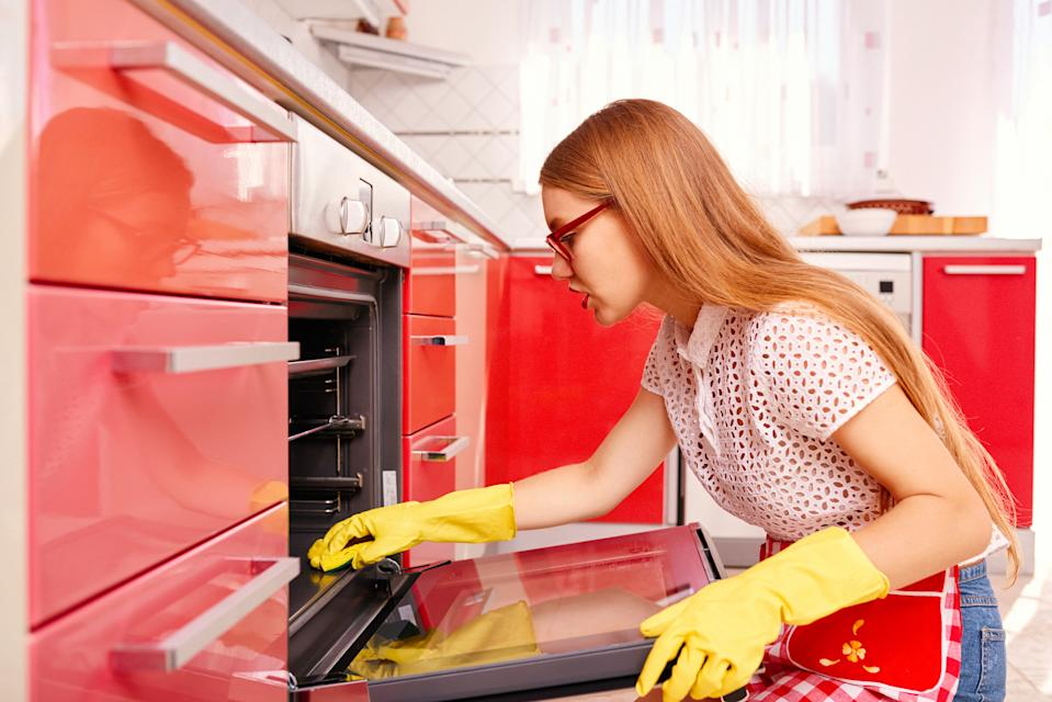 Who doesn't hate cleaning the oven? (Posed by model, Getty Images)