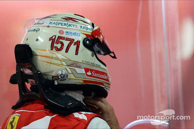 "Casco de Fernando Alonso en 2013 (India) <span class=""copyright"">XPB Images</span>"