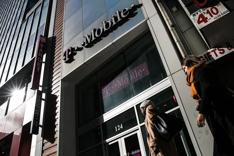 FCC Order Clearing T-Mobile's Sprint Deal Includes Dissents