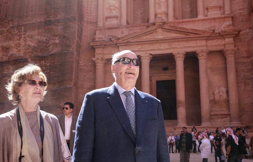 King Harald V of Norway (R) and his wife Queen Sonja visit Jordan's archaeological city of Petra, south of the capital Amman on March 4, 2020. (Photo by Khalil MAZRAAWI / AFP) (Photo by KHALIL MAZRAAWI/AFP via Getty Images)