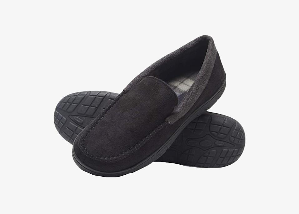 """Shirts, underwear, slippers—Hanes has it all. Available on Amazon for a cool 25 bucks, these moccasin-style house shoes check all the boxes with a slip-resistant rubber sole, memory foam cushion, and anti-odor protection. Plus, they come in a dozen colors from black and brown to burgundy and navy. The brand says these shoes can be worn indoors and outdoors—simply toss them into the washing machine <a href=""""https://www.cntraveler.com/gallery/7-products-for-washing-clothes-while-traveling?mbid=synd_yahoo_rss"""" rel=""""nofollow noopener"""" target=""""_blank"""" data-ylk=""""slk:to clean"""" class=""""link rapid-noclick-resp"""">to clean</a>. $20, Amazon (starting price). <a href=""""https://www.amazon.com/dp/B07HQWNJ98"""" rel=""""nofollow noopener"""" target=""""_blank"""" data-ylk=""""slk:Get it now!"""" class=""""link rapid-noclick-resp"""">Get it now!</a>"""