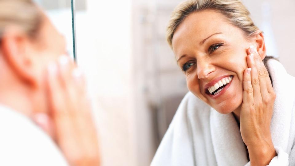 Our skin requires collagen to maintain a youthful appearance as we age. Luckily, there are affordable products that can help stop the hands of time. (Image via Getty Images)