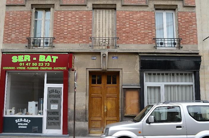 The first floor of the apartment lived in by two victims of a Chinese couple, who admitted to have killed another couple whose bodies were found in the Bois de Vincennes forest, near Paris, on June 19, 2012 (AFP Photo/Martin Bureau)