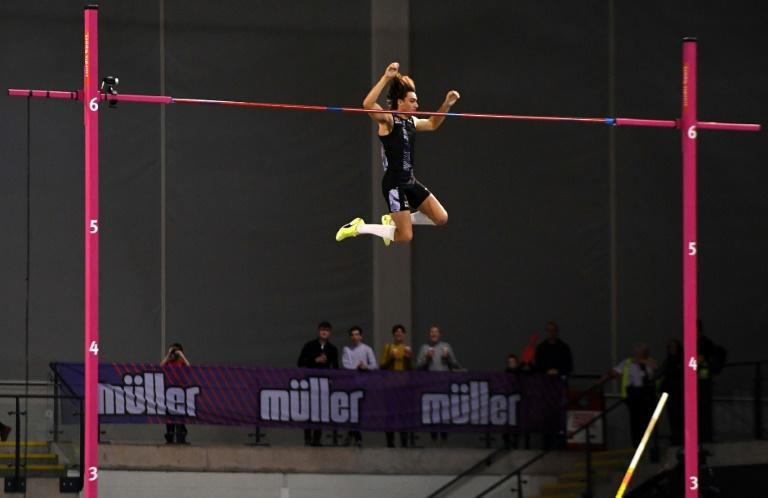 Sweden's Armand Duplantis won the men's pole vault at the Glasgow indoor grand prix (AFP Photo/ANDY BUCHANAN)