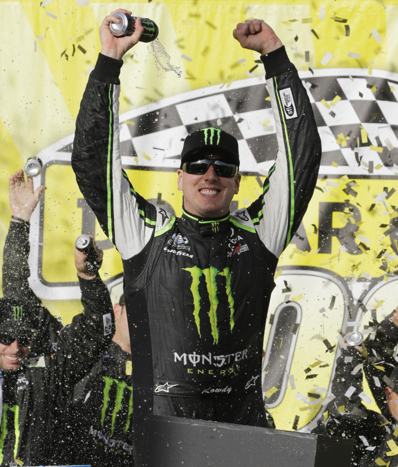 Kyle Busch dominates to win at Chicagoland