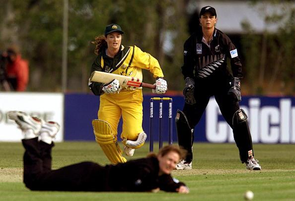 29 Nov 2000:  Karen Rolton of Australia hits down the ground during the New Zealand v Australia match in the  2000 CricInfo Womens Cricket World Cup match played at BIL Oval, Lincoln, New Zealand. DIGITAL IMAGE. Mandatory Credit: Scott Barbour/ALLSPORT