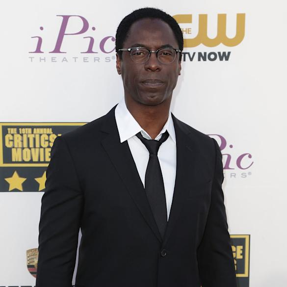 Isaiah Washington S Dr Preston Burke Scrubs Back Into Grey S Anatomy