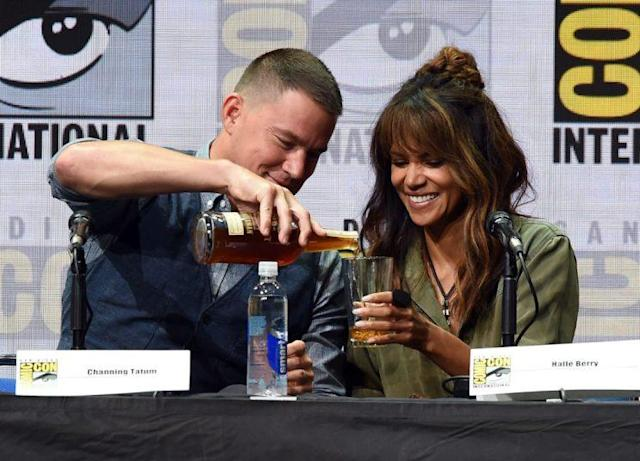 Channing Tatum gave Halle Berry quite a heavy pour. (Photo: Getty Images