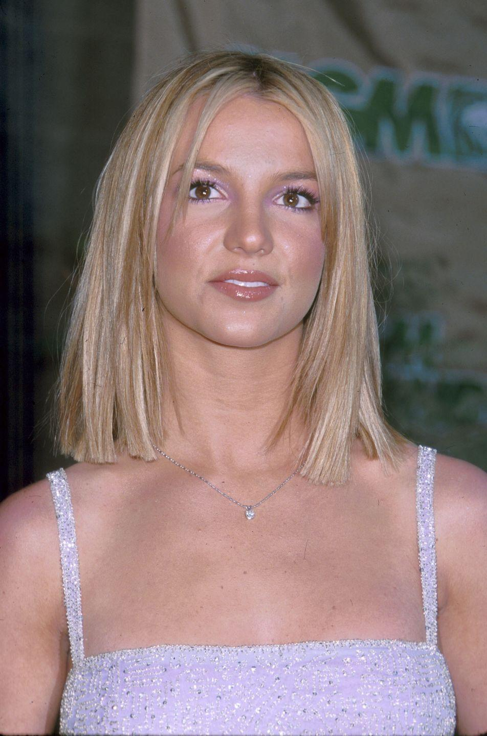 <p>And then as soon as I committed to growing my hair out, she goes and shows up at the Billboard Music Awards with this blunt bob. Always keeping us on our toes, that Brit. </p>