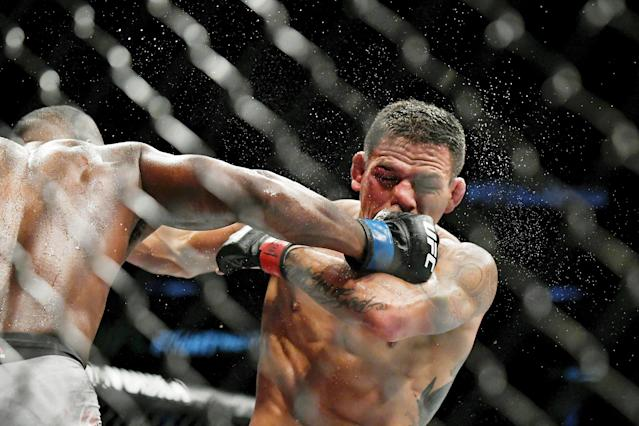 Rafael dos Anjos foi dominado por Leon Edwards (Adam Hagy-USA TODAY Sports)