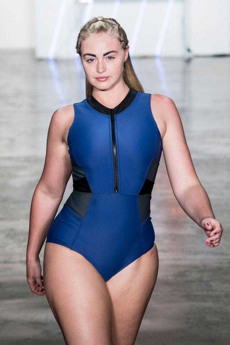 Iskra Lawrence working the runway. (Photo: Imaxtree)