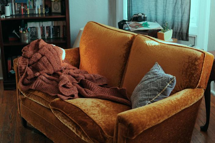 Supe cozy-looking love seat