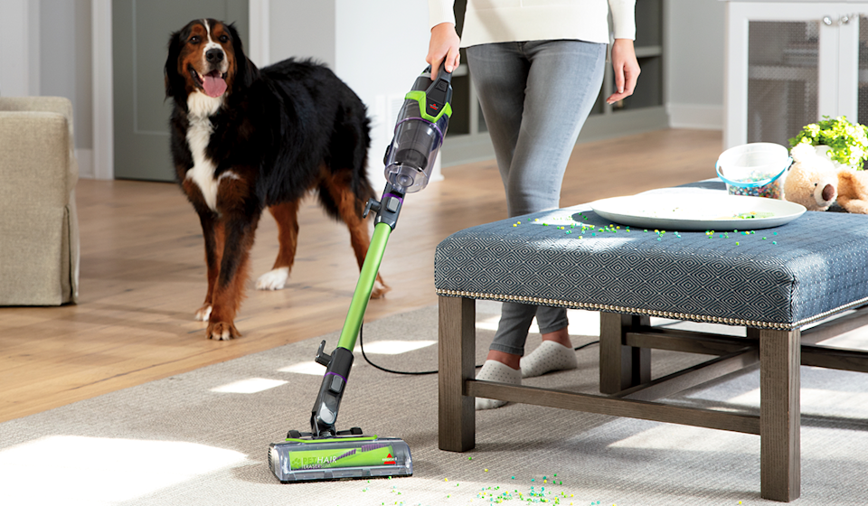 Swivel steering allows for quick, precision cleaning. (Photo: Walmart)