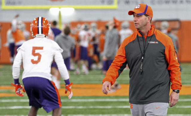 After religious-freedom complaint, Dabo Swinney says all faiths are welcome at Clemson
