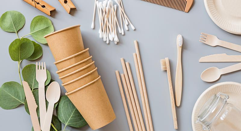 Plastic straws, stirrers and cotton buds have officially been banned in the UK, so we have found eco-friendly alternatives to buy now. (Getty Images)