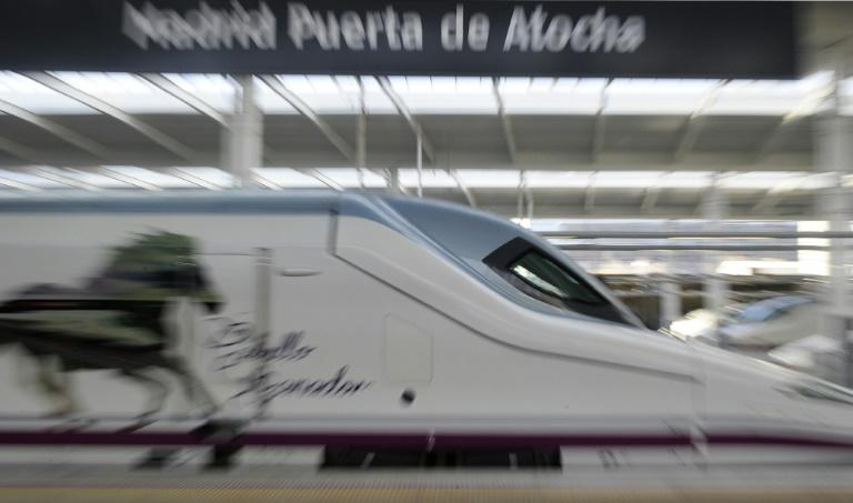4 killed as train derails in Spain