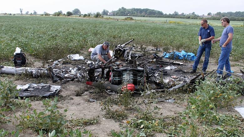 Pilot dead, plane demolished in Stoney Creek plane crash