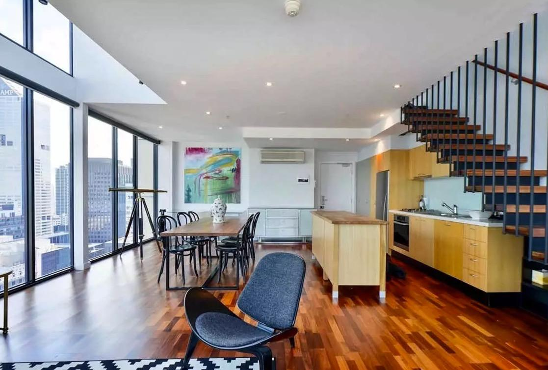 <p>It's beautifully decorated and filled with big windows that will give you amazing views of the city.<br />(Airbnb) </p>