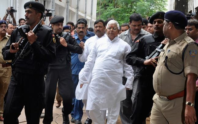 <p>Due to the passing away of advocate Vindeshwari Prasad, the quantum of  sentence for Lalu Yadav and others in a fodder scam case was not  pronounced today.</p>