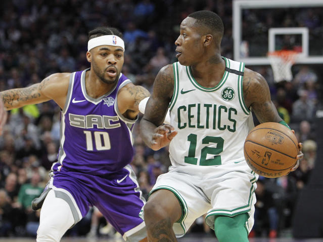 "Celtics guard <a class=""link rapid-noclick-resp"" href=""/nba/players/5476/"" data-ylk=""slk:Terry Rozier"">Terry Rozier</a> (right) has given fantasy owners a lift after filling in for <a class=""link rapid-noclick-resp"" href=""/nba/players/4840/"" data-ylk=""slk:Kyrie Irving"">Kyrie Irving</a>. (AP)"