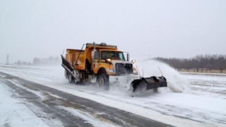 Quebec company settles with province over botched snowplow deal