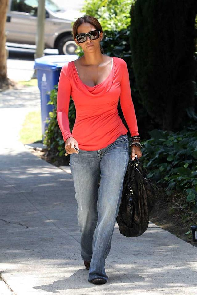 """You won't be seeing photos of Halle Berry's daughter Nahla any time soon. The actress filed a criminal complaint against a paparazzo, alleging the photographer trespassed in her backyard to snap photos of her with her 4-month-old baby. Halle also told the Associated Press she will never sell her daughter's photos for money. Clint Brewer/<a href=""""http://www.splashnewsonline.com"""" target=""""new"""">Splash News</a> - July 25, 2008"""
