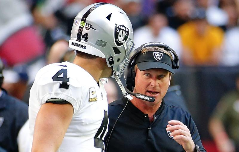Jon Gruden gets into it with Derek Carr over poor decision