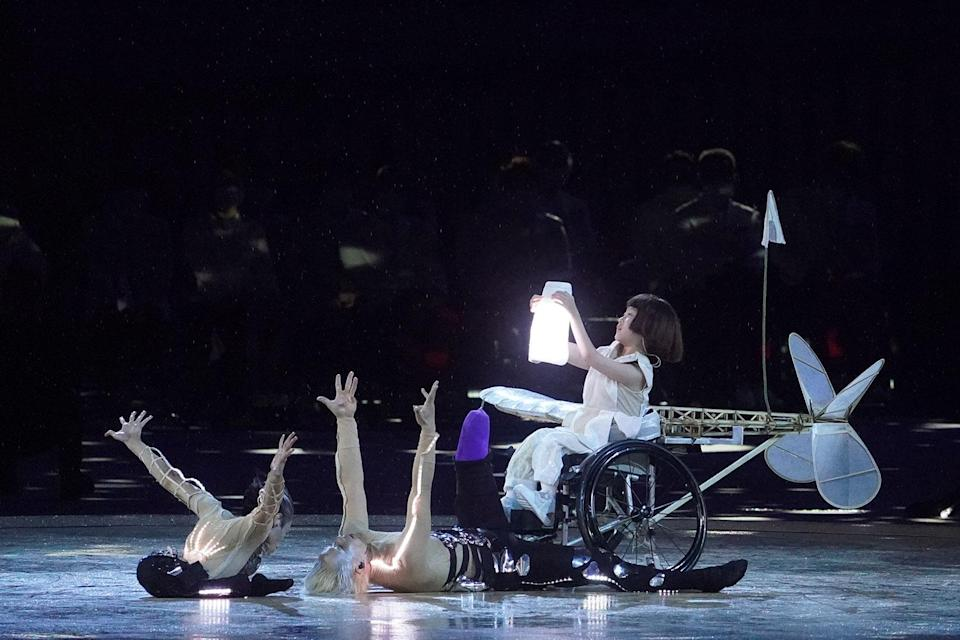 <p>Yui Wago portrayed the one-winged plane during the show.</p>