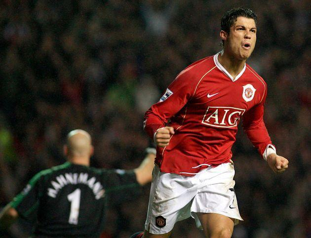 <strong>Cristiano Ronaldo playing for Manchester United in2006.</strong> (Photo: via Associated Press)