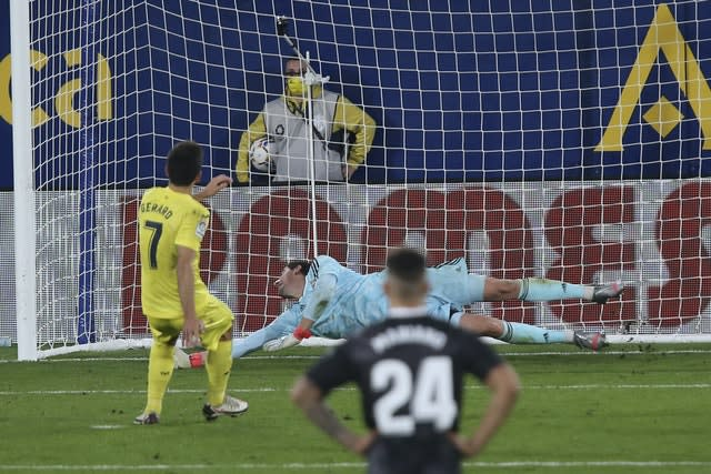 A late penalty from Gerard Moreno helped maintain Villarreal's unbeaten home record (Alberto Saiz/AP)