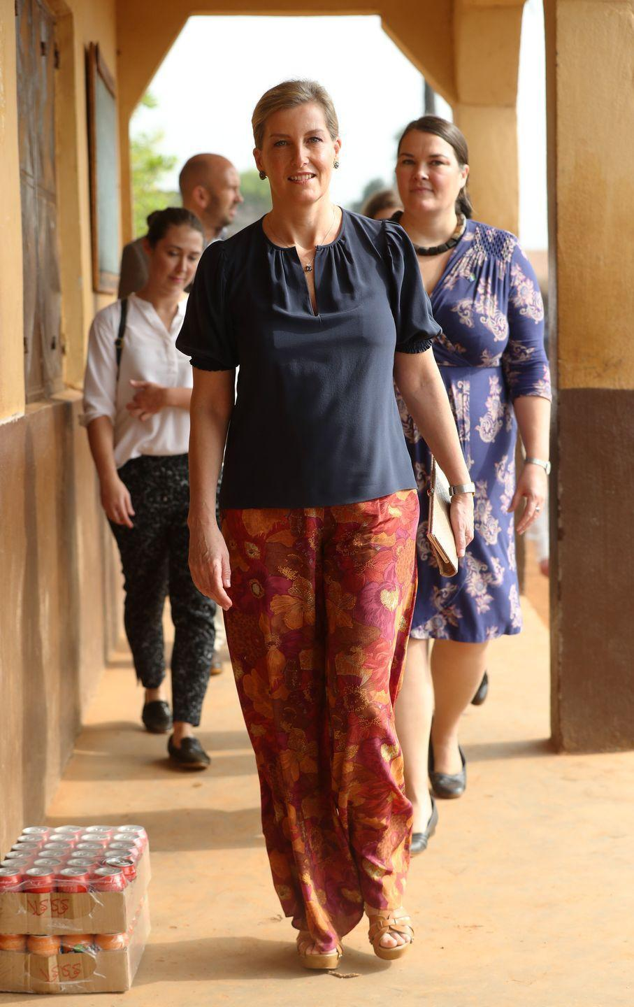 <p>On a royal visit to Sierra Leone, Sophie opted for a comfortable look while visiting the Russell Technical Secondary School. She sported loose, floral pants and a navy, puff-sleeved shirt. </p>
