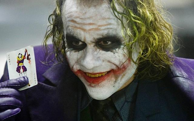 <p>Joker, antagonista di Batman, qui interpretato d Heath Ledger. </p>
